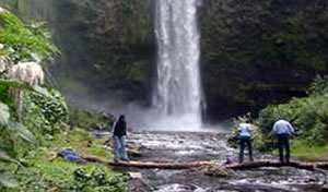Tour to the Pita River Great Waterfall